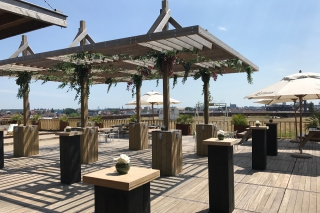 Zomertip: Gaston combineert strand en skyline in de zonnigste pop-up rooftop bar van Gent